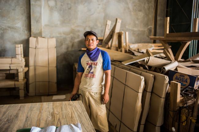 アジアン家具KAJAチーク古材と職人