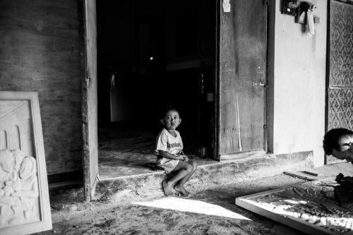 アジアン家具KAJAのインドネシアの子供