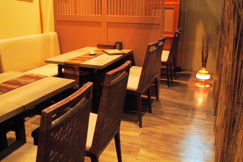 アジアンスタイル実例 タイ料理 レストラン「Roi Khon」