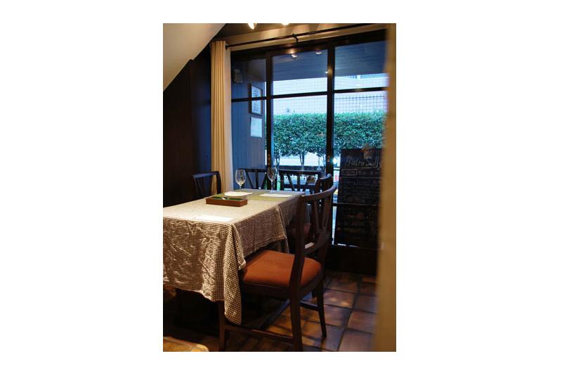 アジアンスタイル実例 フレンチレストラン「Bistro SULLY(ビストロ シュリー)」