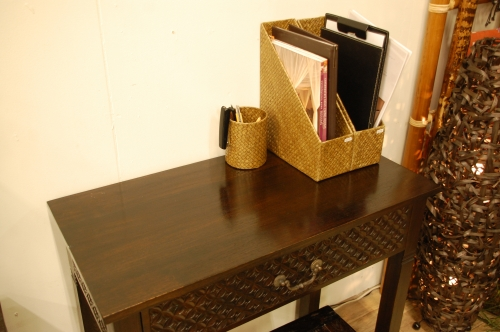 kaja pandan desk new