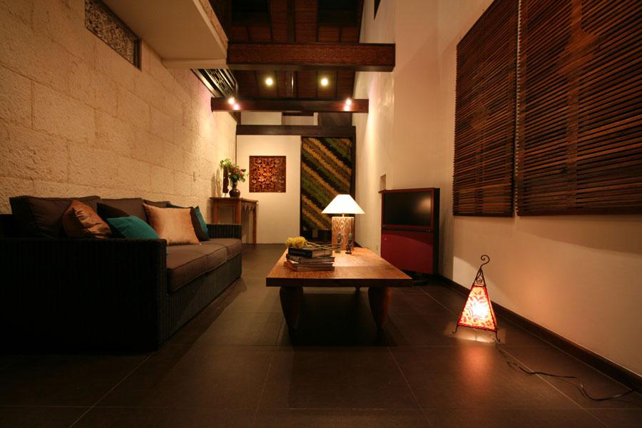 自然のぬくもりとリゾート感がバランスよくミックスされた空間作り