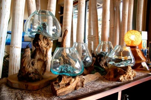 流木とガラスのオブジェ