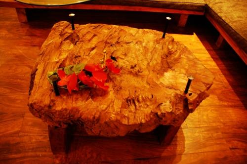 Kajaの古木ガラステーブル