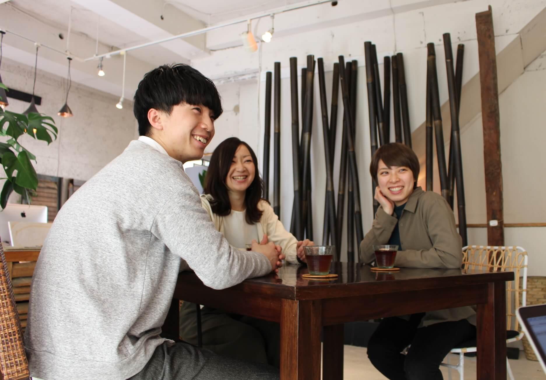 アジアン家具KAJAのスタッフ