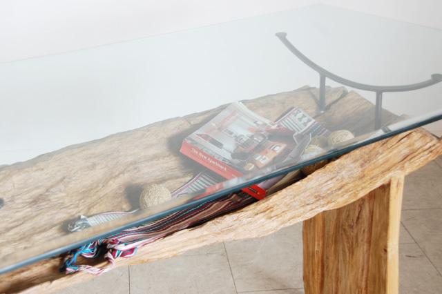 アジアン家具KAJA古木のテーブルディスプレイ