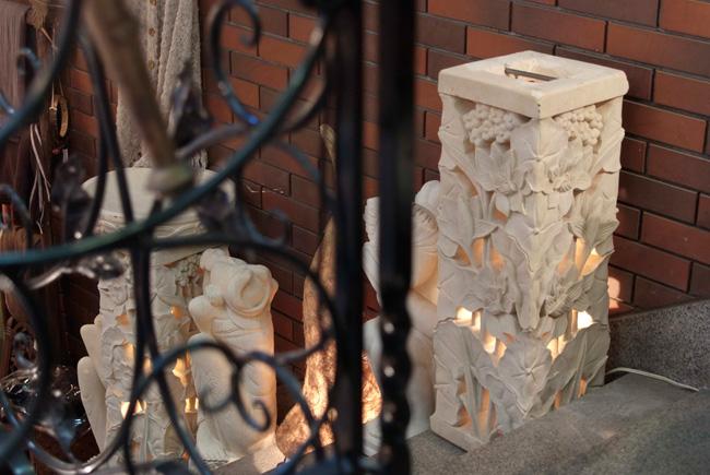 アジアン家具KAJAロータス石柱ランプ
