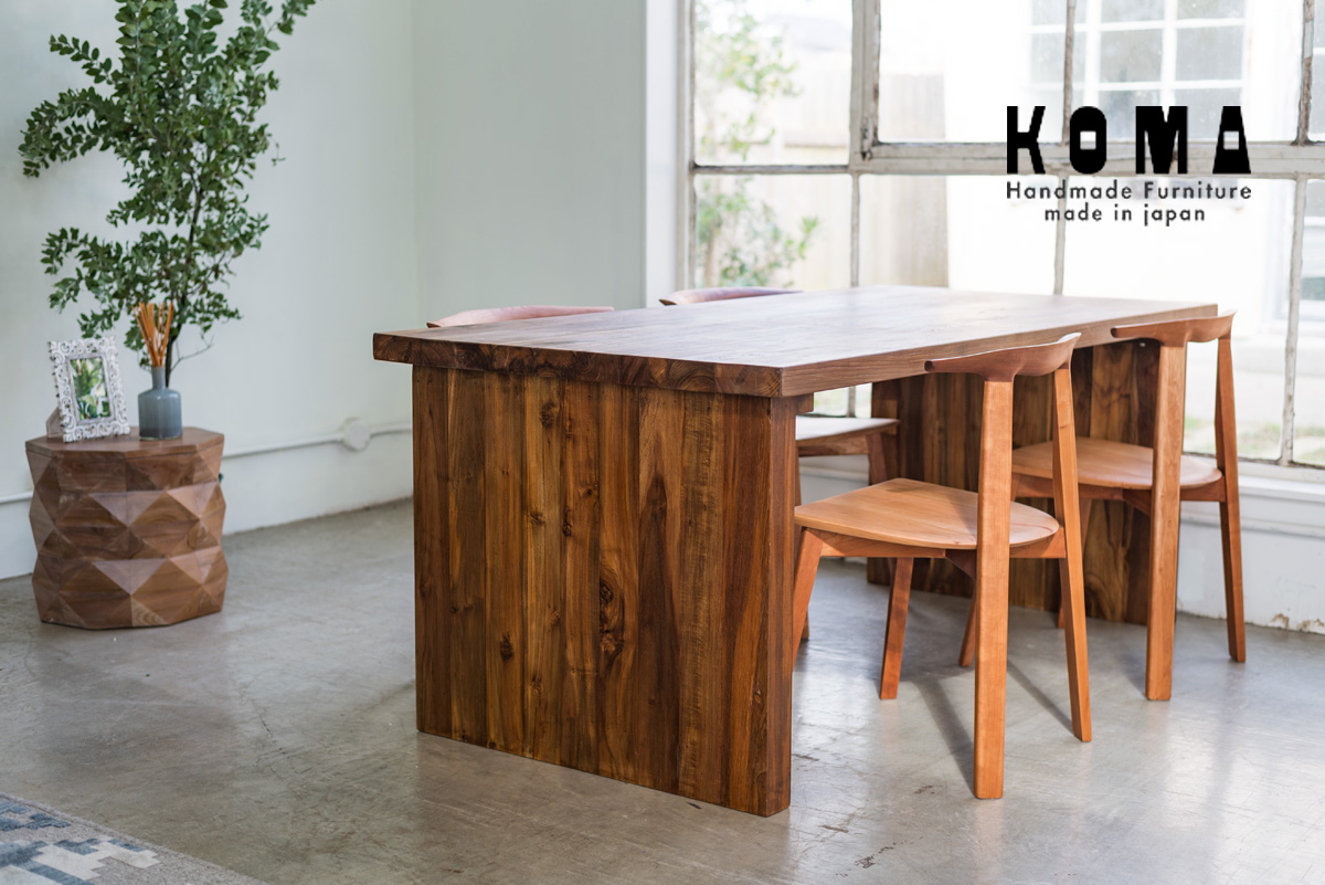家具KAJAとKOMAのオリジナルチェア