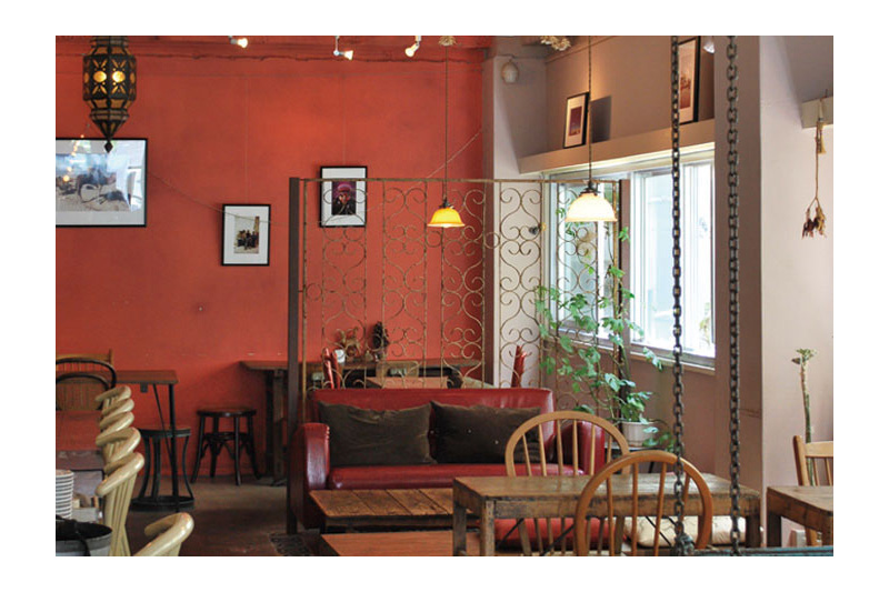 アジアンスタイル実例 隠れ家カフェ「Cafe Amar」