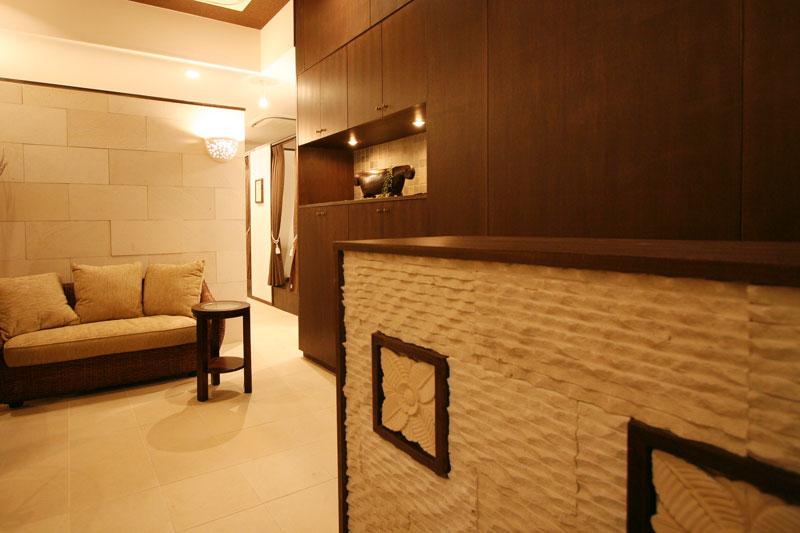 アジアンオーダー家具事例 ライムストーンレリーフで作るオーダーカウンター