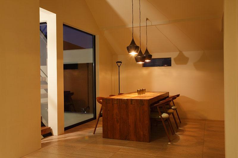 アジアンオーダー家具事例 チーク古材のオーダーダイニングテーブル