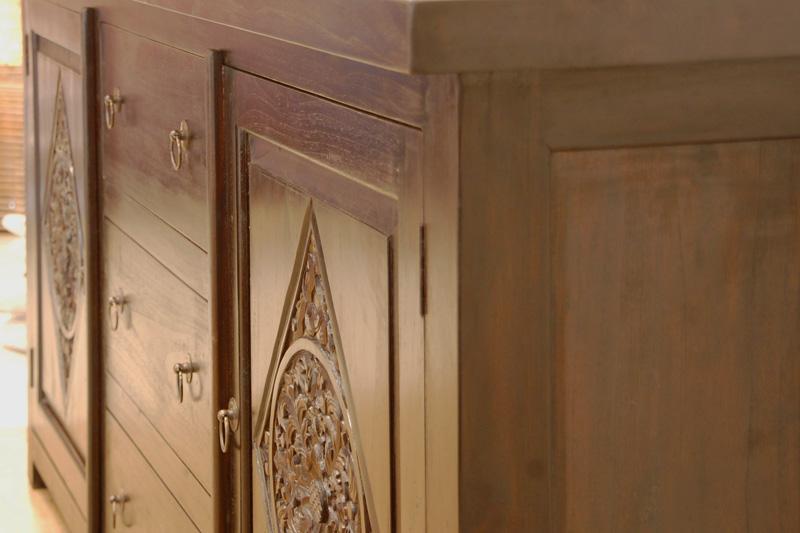 アジアンオーダー家具事例 オリジナルオーダーのレリーフチェスト