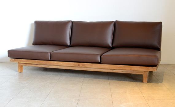 アジアン家具KAJAのレザーローソファ