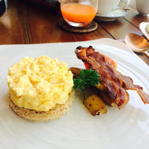 リゾート朝食
