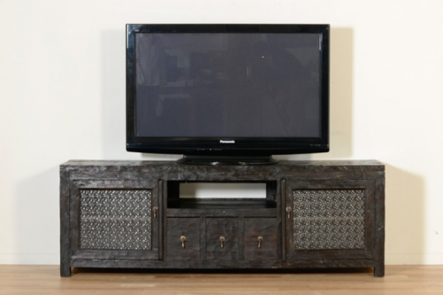 ジャワガラスが美しいテレビボード