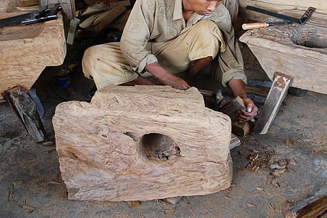 アジアン家具KAJA古木ローテーブルの製作風景