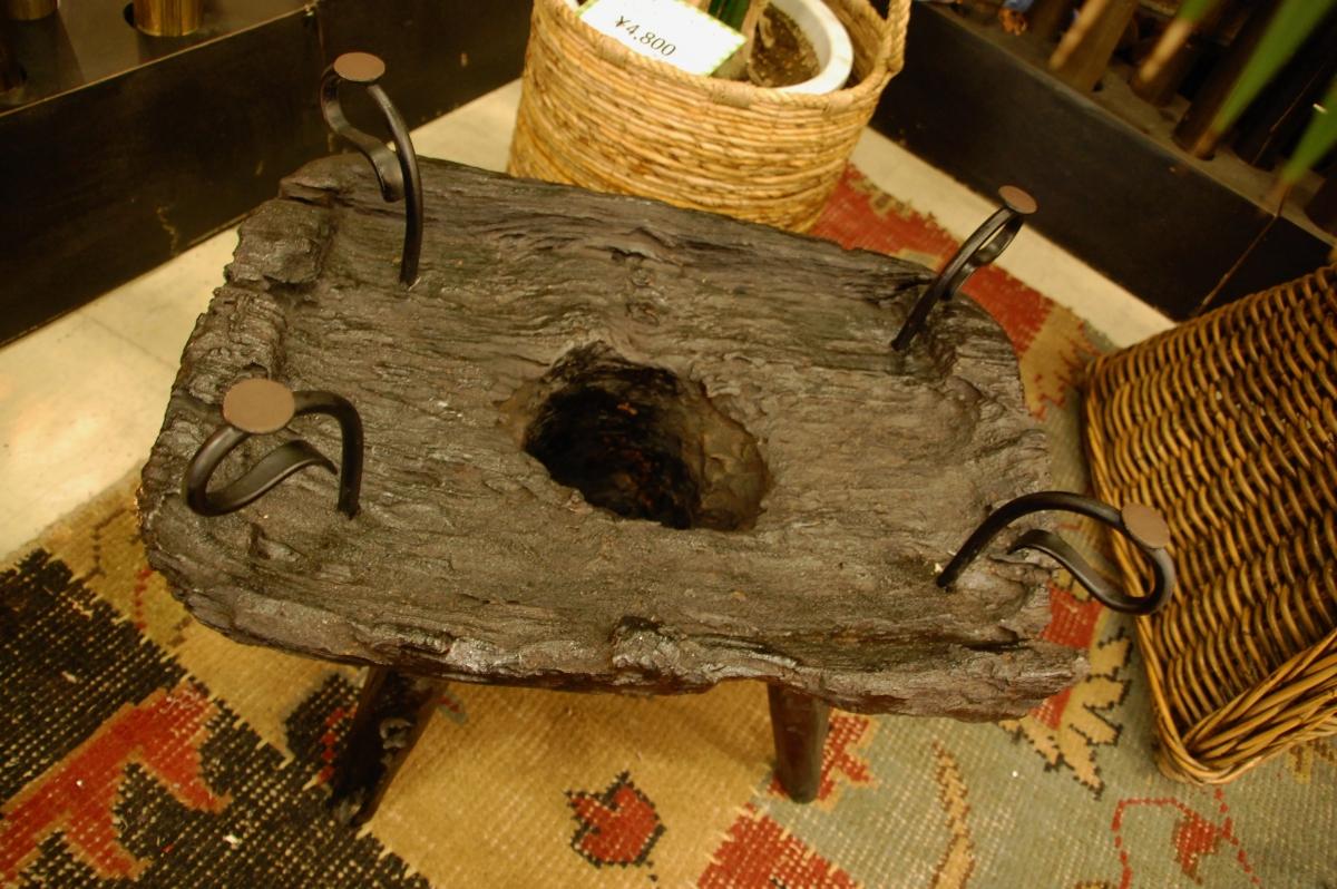 チーク古木を使用したローテーブル