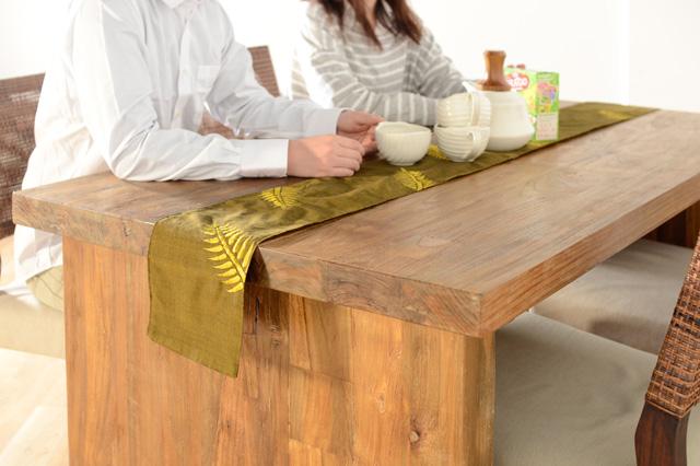 アジアン家具KAJAチーク無垢材のダイニングテーブル
