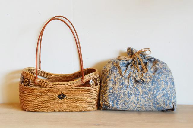 アジアン雑貨アタのバッグ