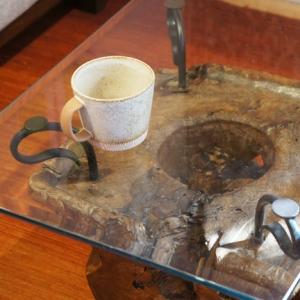 アジアン家具インテリアKAJAガラスのテーブル