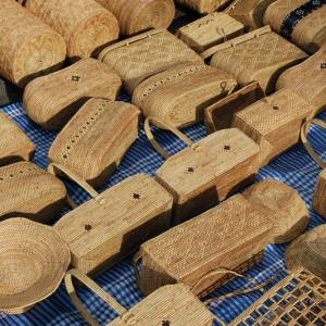 アジアン家具・雑貨KAJAバリ島のアタ