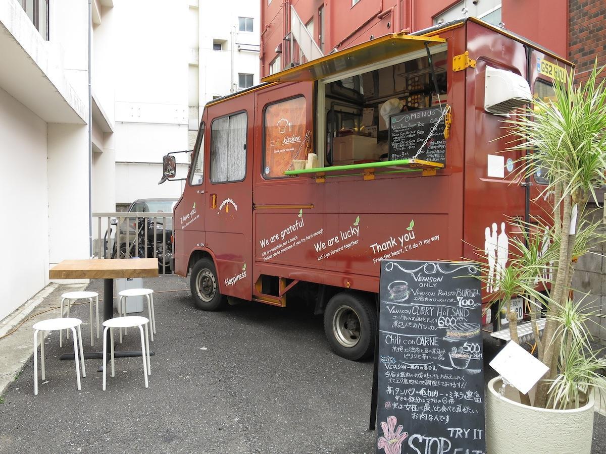 アジアン家具KAJA吉祥寺店でキッチンカー