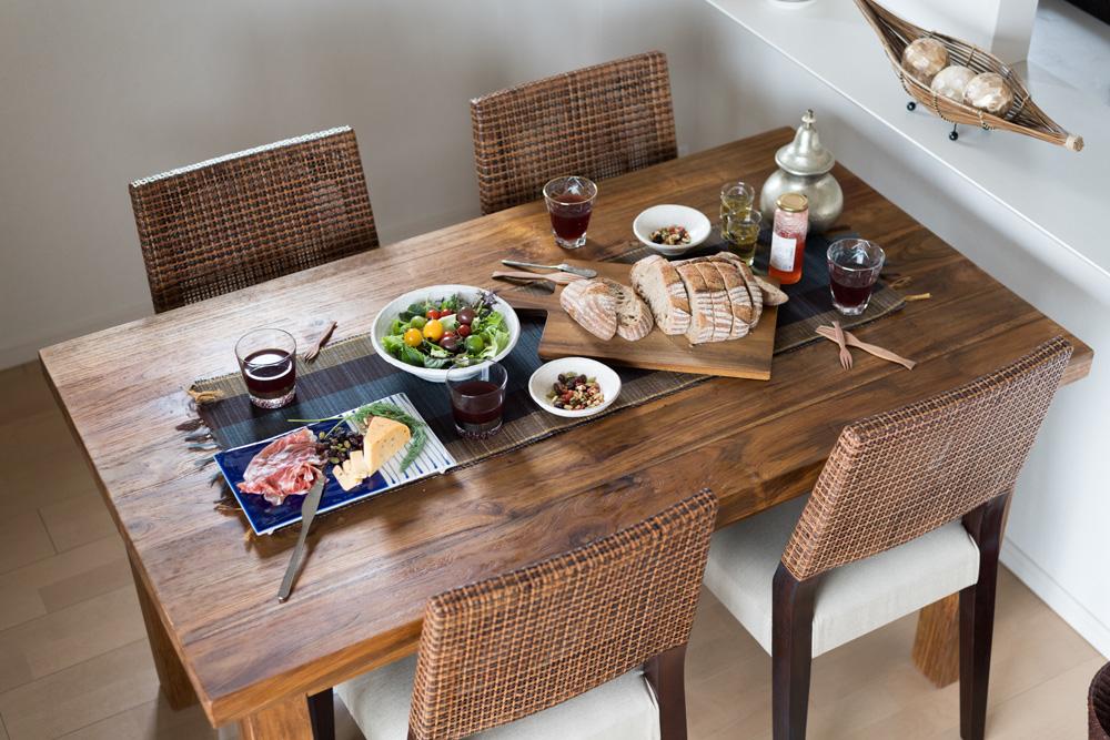 アジアン家具KAJAオールドチークのダイニングテーブル