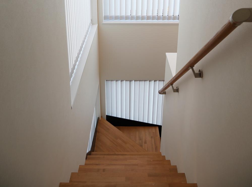 アジアン家具 インテリアKAJA階段のイメージ
