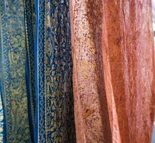 アジアン家具インテリアKAJAバアジアの布