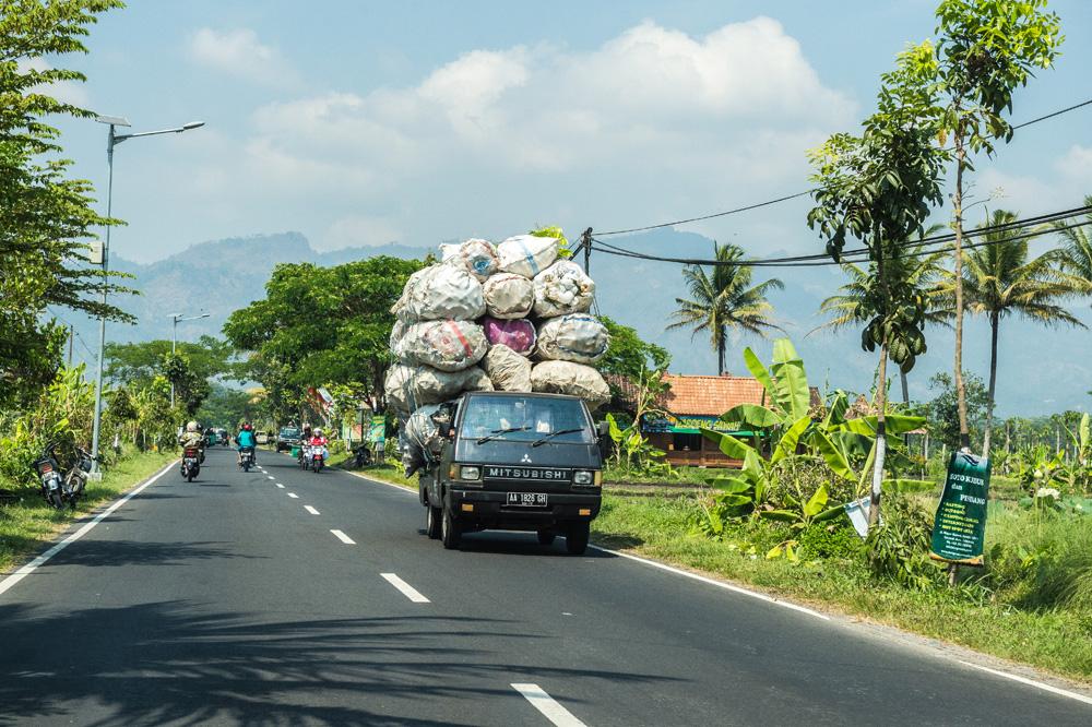 アジアン家具KAJA買い付けジャワ島の風景