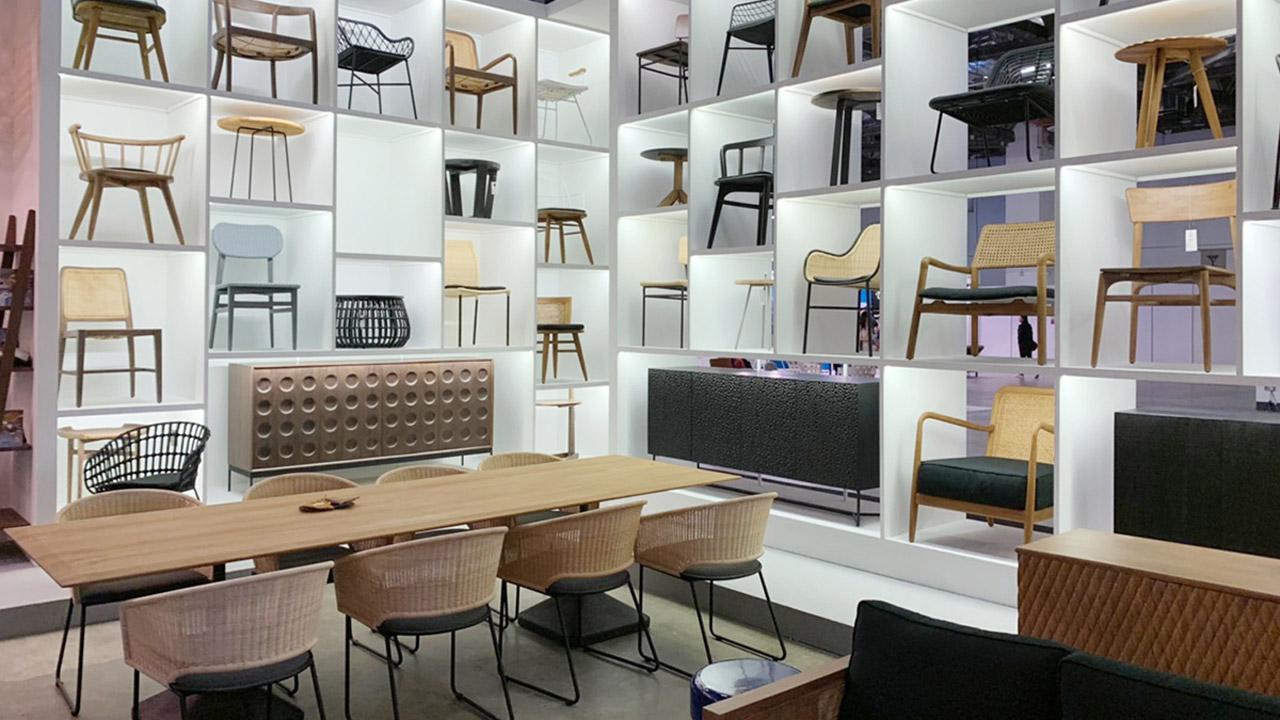 シンガポール家具の展示会チェア