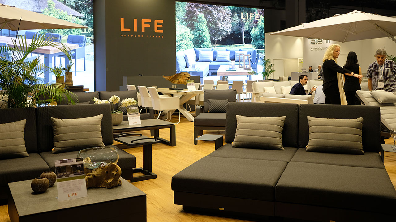 シンガポール家具の展示会の様子