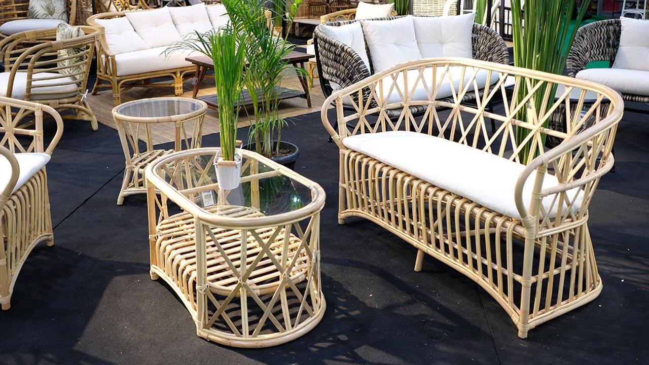ジャカルタの家具の展示会ラタンの家具