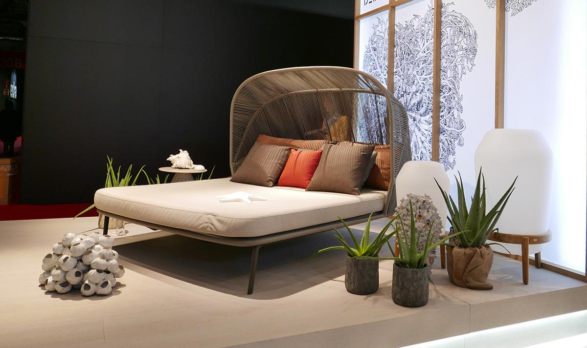 ミラノサローネのアウトドア家具