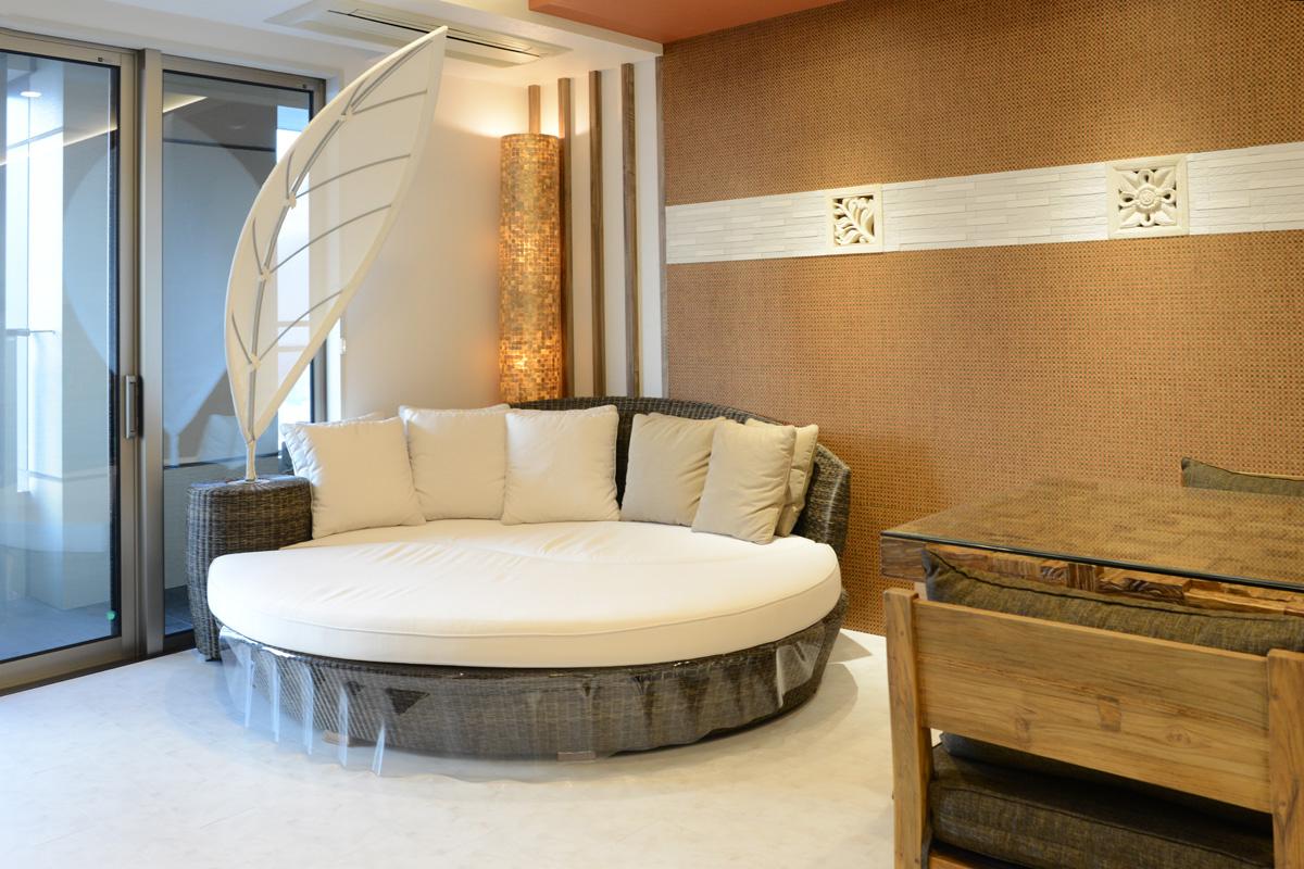 アジアン家具KAJA「FARGO/アイランドサンベッド」屋内での使用例