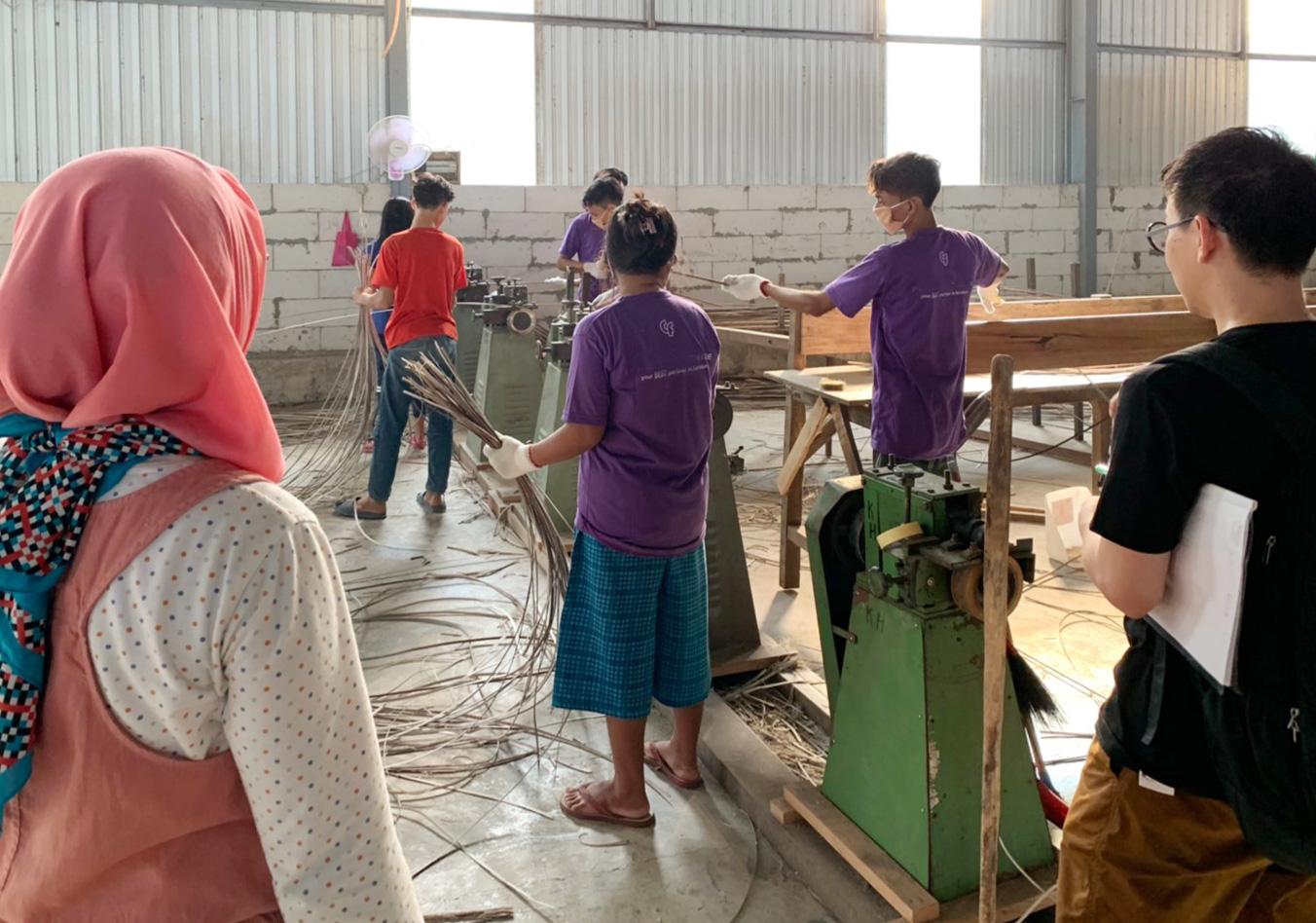 アジアン家具KAJA家具工場の様子を視察