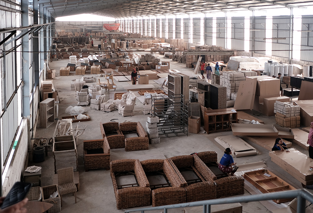 アジアン家具KAJAインドネシアの家具工場の様子3