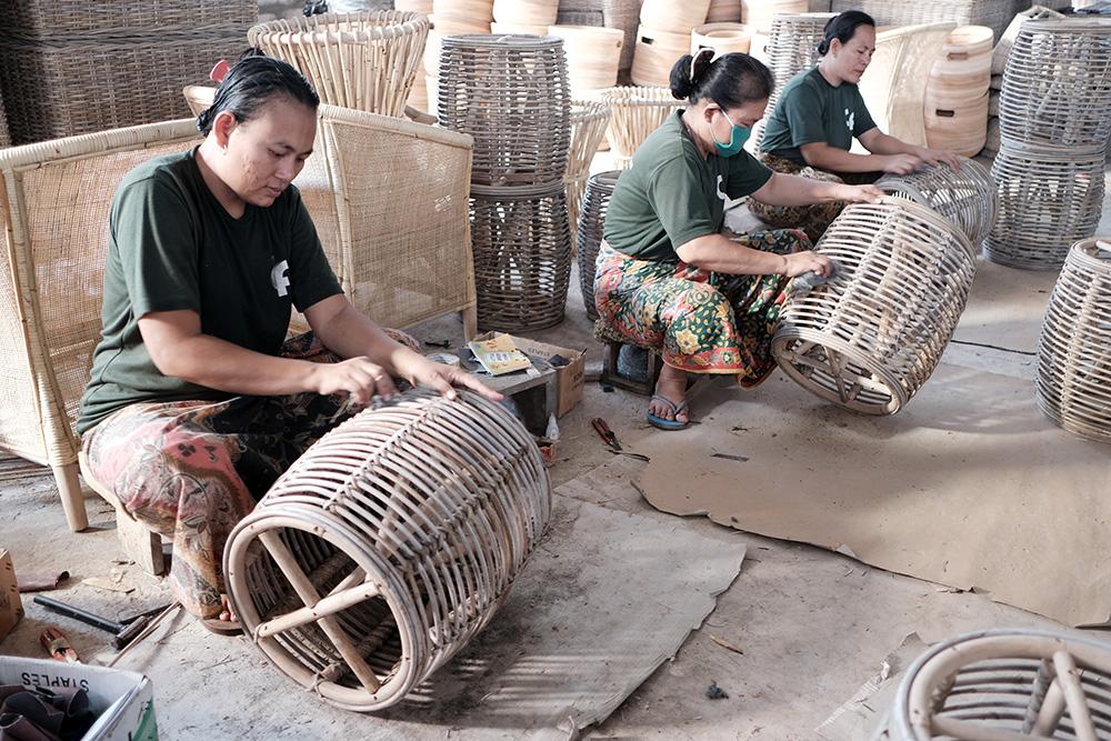 アジアン家具KAJAインドネシアの家具製作風景