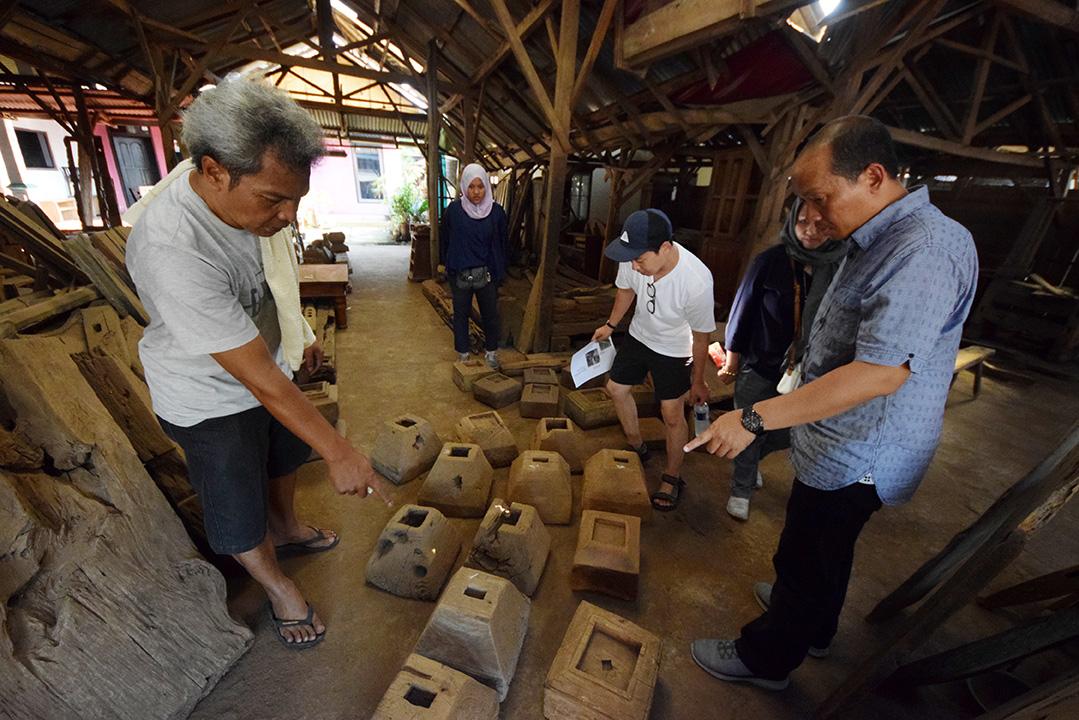 アジアン家具KAJAインドネシアでの買い付け風景
