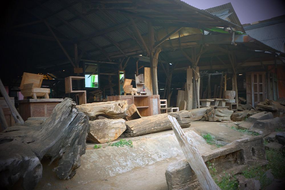 アジアン家具KAJAインドネシアのとある工房