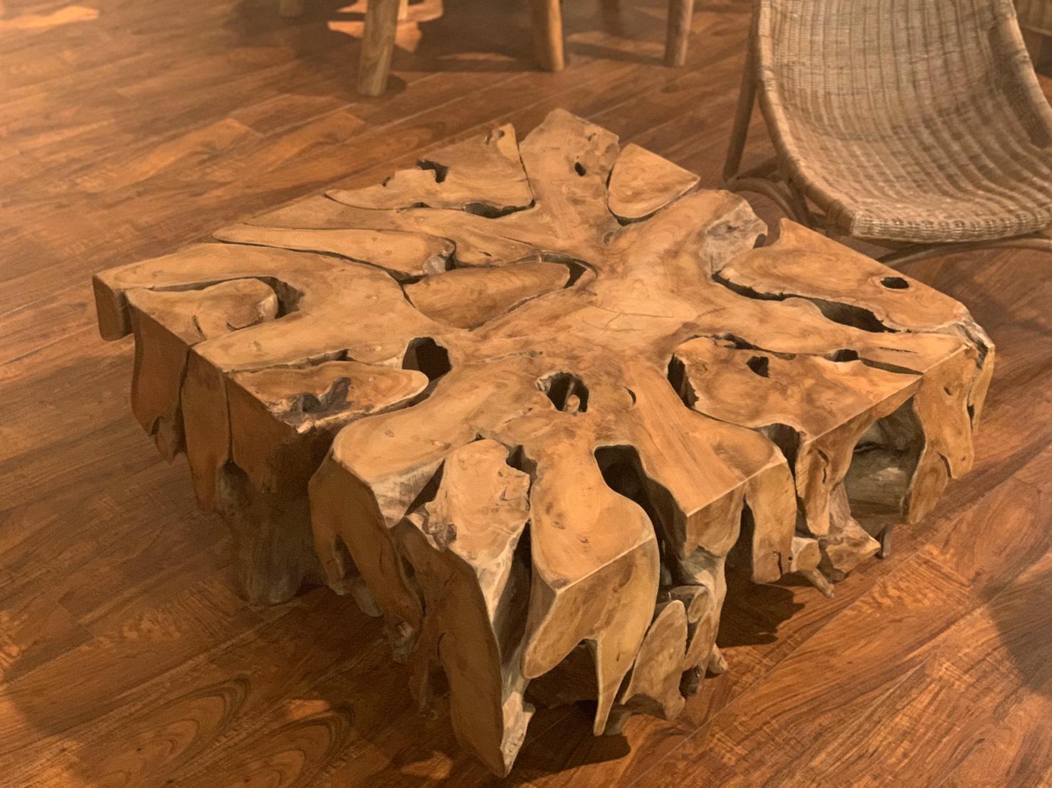 アジアン家具KAJA個性的な古材のテーブル1