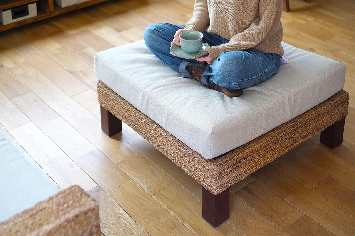 アジアン家具KAJAのオットマンの活用方法