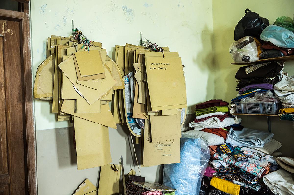アジアン家具ファブリックメーカーの様子