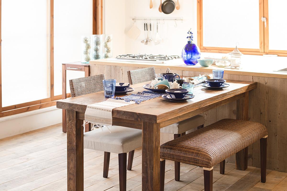 アジアン家具KAJA定番人気のダイニングテーブル