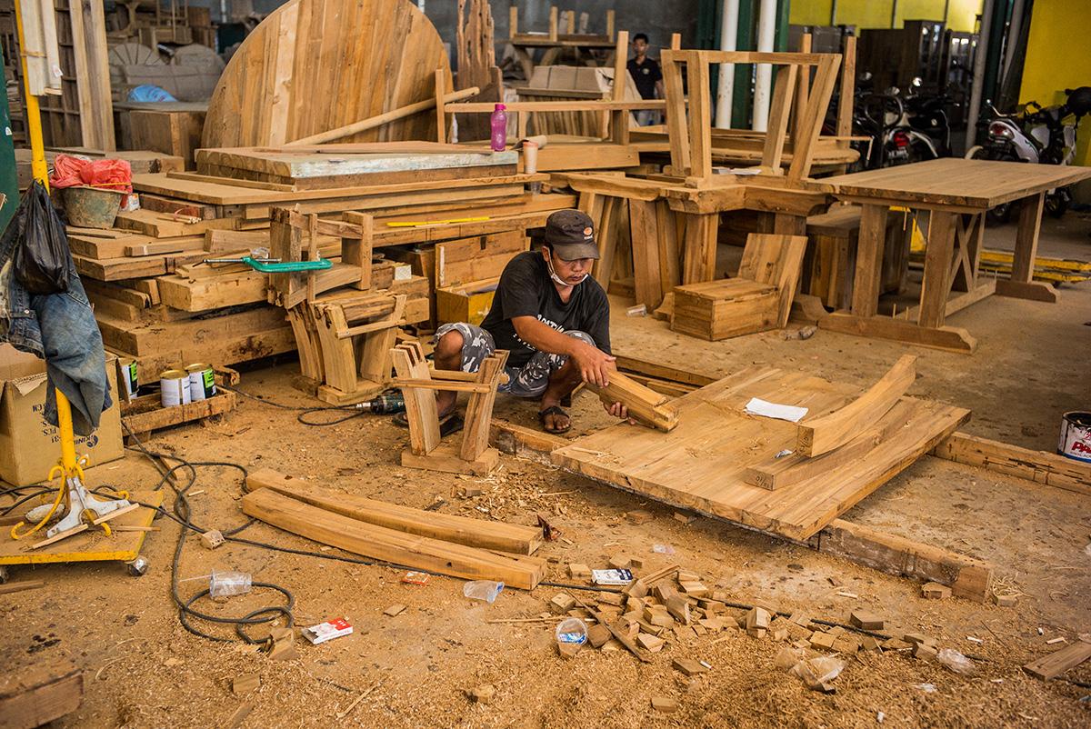 アジアン家具KAJAチーク材家具の工場