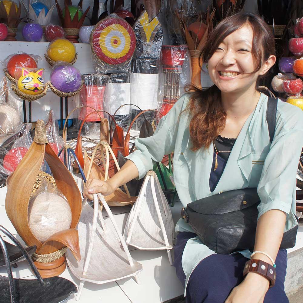 アジアン家具KAJAインドネシア買い付け時の一枚