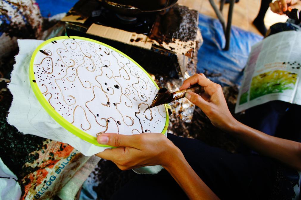 アジアン家具KAJAバティック描き体験の難しさ