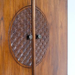 アジアン家具KAJAのMUSCA/コーナーキャビネットの扉