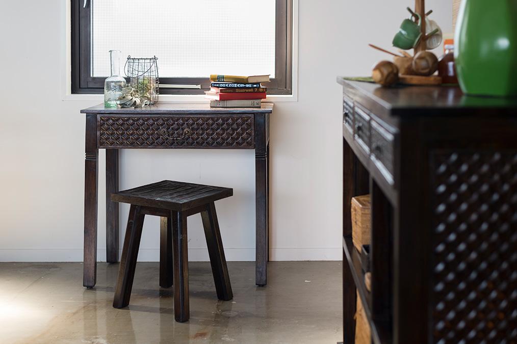 アジアン家具KAJAレリーフの家具