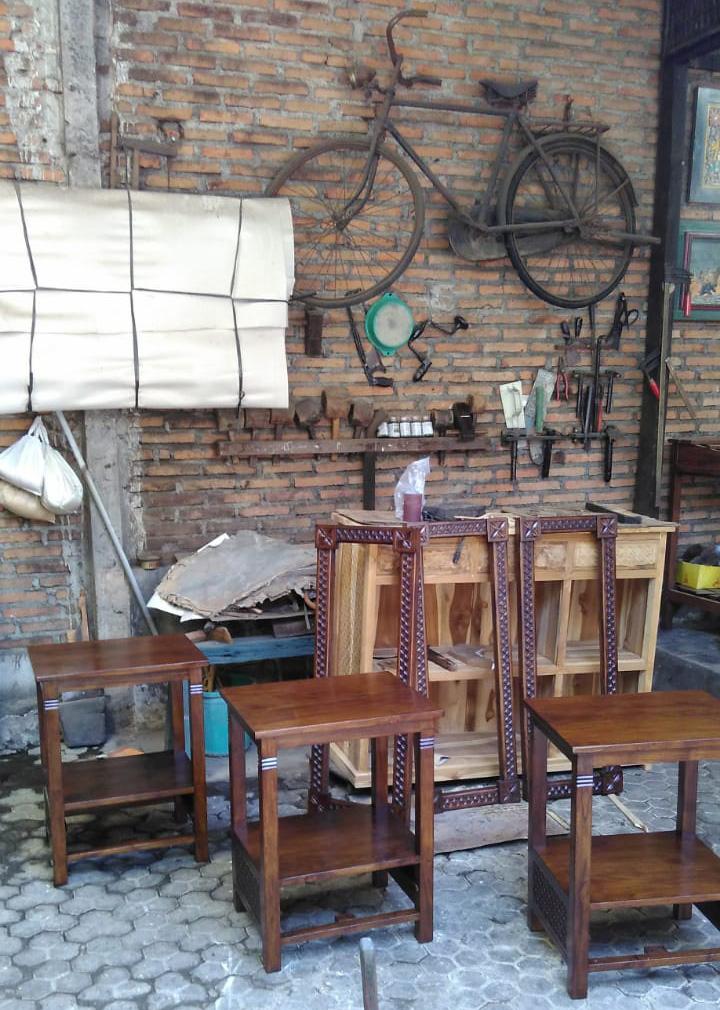 アジアン家具レリーフ家具を作る工房2